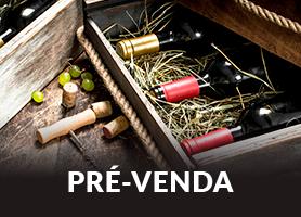 Garrrafas de vinho dentro de caixas